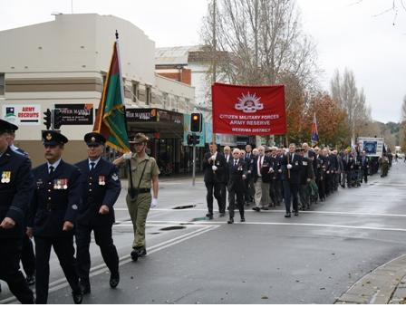 The parade through Wagga